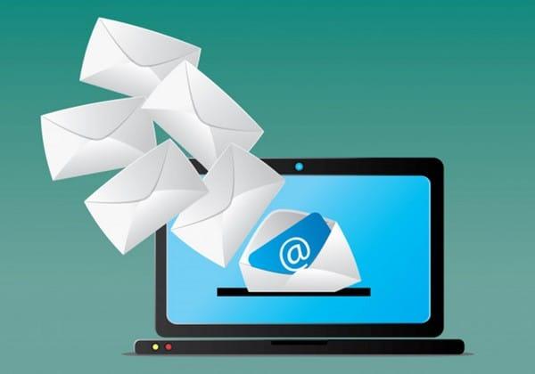 Antes de ler o seu e-mail, a pessoa vai clicar nele e vê-lo como um todo.