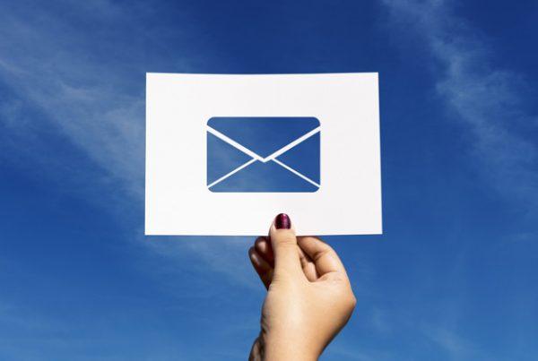 Use diferentes tipos de e-mail marketing com uma agência
