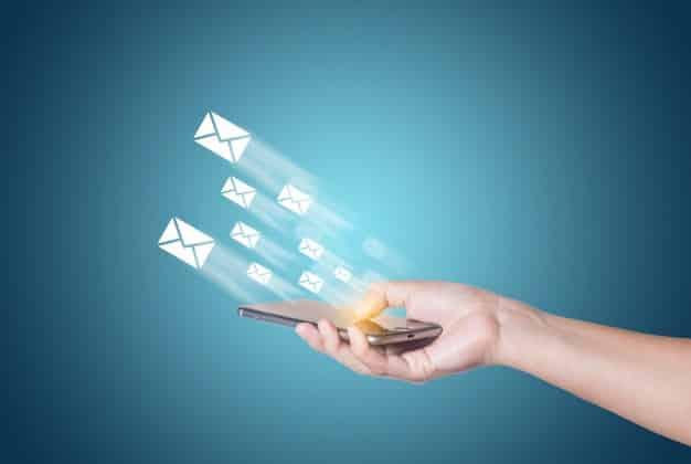 Invista em uma campanha de e-mail marketing